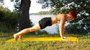 Упражнения против целлюлита №1: лечение целлюлита в домашних условиях в позе Планки