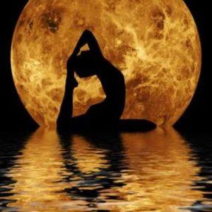 Женская йога: как учитывать фазы Луны и женский цикл?