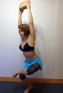 Мини-комплекс йоги для футболистов. Поза Стула с раскрытием тазобедренных суставов