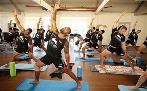Мини-комплекс йоги для футболистов