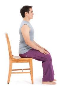 Йога для шеи и плеч. Позы в положении сидя на стуле. Поза Горы сидя