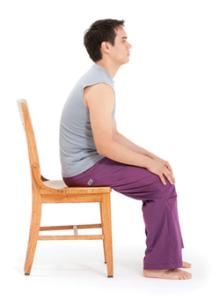 Неправильная осанка вызывает боли в шее и плечах
