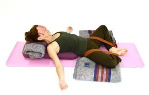 Йога для желудка: Супта Баддха Конасана