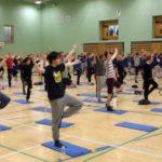 110 мужчин в одном йога-классе: заявка на мировой рекорд