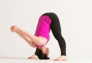 Как научиться делать стойку на руках? Подготовка: раскройте плечи и растяните грудь