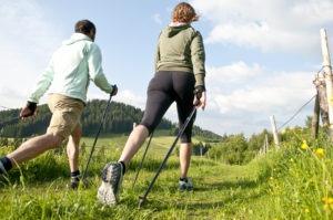 Техника скандинавской ходьбы с палками и распространенные ошибки
