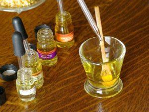 Как сделать духи из эфирных масел?