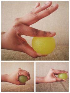 Упражнение для запястья с мячиком