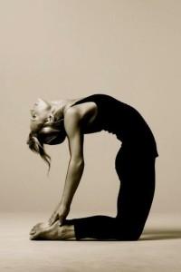 Прогибы назад: как безопасно и правильно делать прогибы в йоге?