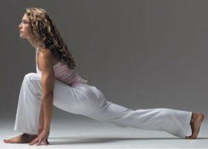 Упражнения для подвздошно-поясничной мышцы: высокий выпад