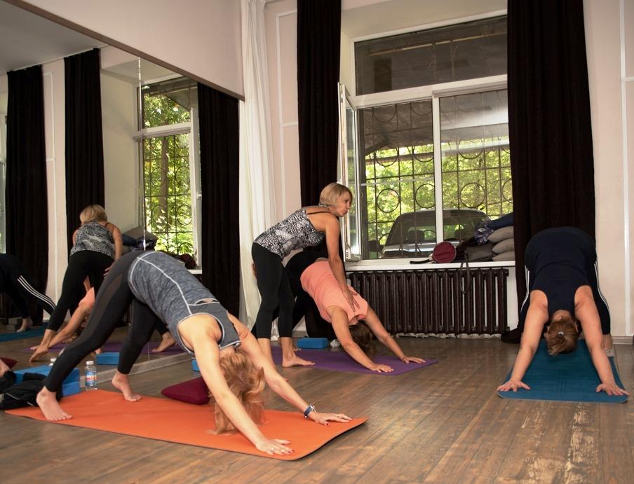 Группы оздоровительной йоги и йогатерапии SmartYoga